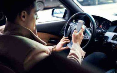 Can I sue someone that was texting while driving when they hit me?